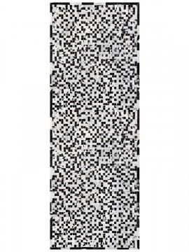 Passadeira Couro Preto e Branco Malhado com Borda (5x5)